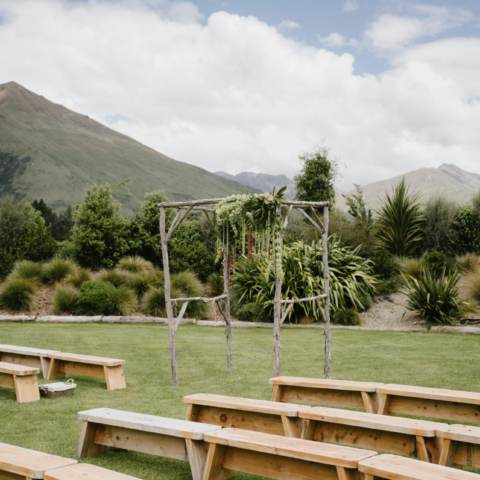 Wanaka and Queenstown wedding planner, stylist and florals